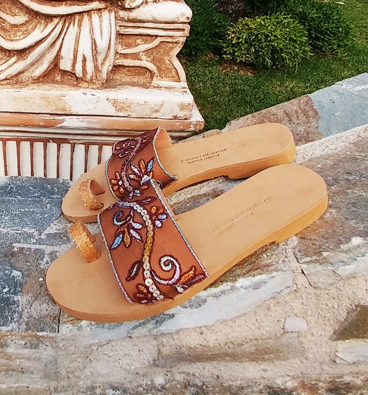 d2cc7ada94305 Elegant sandals, Toe ring sandals, Leather flat sandals, Lace ...